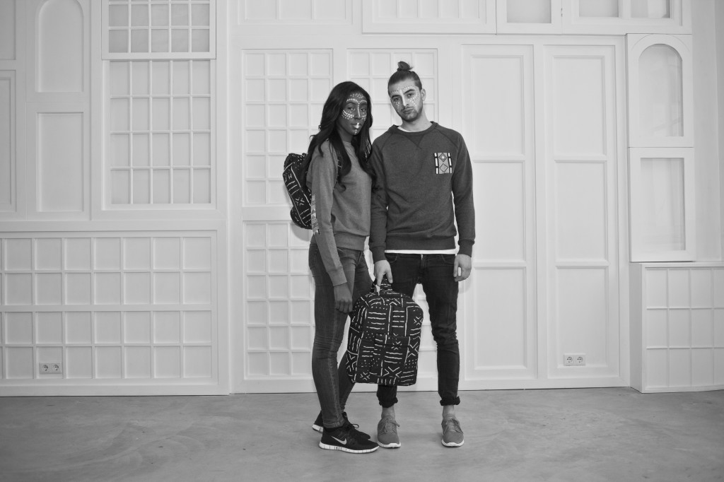Pocket Sweaters and Bogolan Bags - Photoshoot Droog