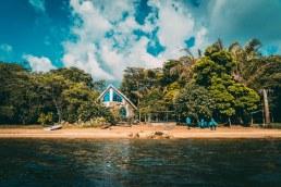 Banda Island Resort and Campsite Drone Shot mon Lake Victoria, Uganda